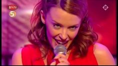 Kylie Minogue - Can't Get You Out Of My Head (Live Top Of The Pops 17-10...