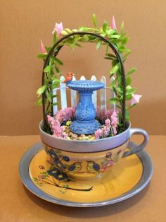 Top 45 Diy Summer Garden Teacup Fairy Garden Ideas - Home/Decor/Diy/Design Mini Fairy Garden, Diy Garden, Garden Edging, Garden Landscaping, Teacup Crafts, Teacup Decor, Enchanted Garden, Miniature Fairy Gardens, Decoration