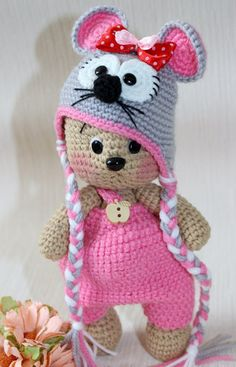 Crochet bear in a mouse hat. (Inspiration). Love the hat.
