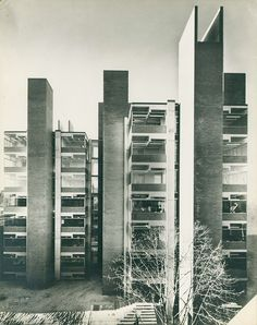 Louis Kahn  Medical Research and Biology Building, Philadelphia, Pennsylvania (1957-65)
