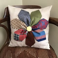 Diy Necktie Projects, Mens Ties Crafts, Neck Tie Crafts, Tie Pillows, Sewing Pillows, Cushions, Memory Pillows, Memory Pillow From Shirt, Memory Quilts