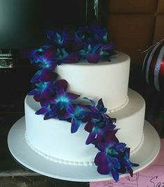 Blue orchids for cake flowers