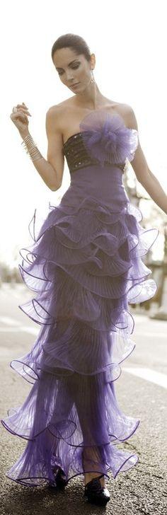 Beautiful gown... Dare to be unique. http://weddingdigestkenya.com/destinations/wedding-night-kenya