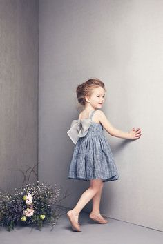Idea : little girl shoot - fun floral - cute dress - blue shades background