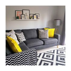 """Dulux az Instagramon: """"Using a cool grey for a south-facing living room gives a tranquil feel. : @by_the_water_4 : Goose Down"""""""