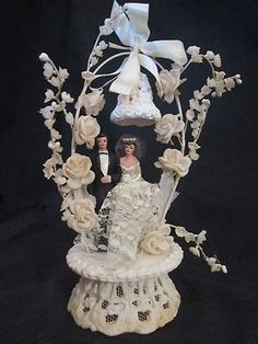 Wedding Cake Topper With Flowers and Bell, Cream Wedding Cakes, 1960s Wedding, Vintage Bridal, Vintage Weddings, Vintage Cake Toppers, Traditional Wedding Cake, Wedding Cookies, Wedding Day, Summer Wedding