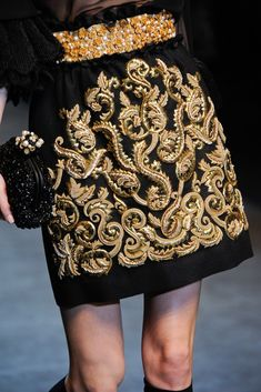 Dolce & Gabbana at Milan Fashion Week Fall 2012 - Details Runway Photos Gold Fashion, Milan Fashion, Couture Fashion, Runway Fashion, High Fashion, Fashion Show, Fashion Women, Dolce & Gabbana, Couture Details