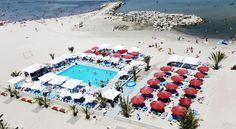 MAMAIA- 421lei Situată excelent, lângă plajă, această proprietate deosebită are piscină, loc de joacă pentru copii și arhitectură modernă și este un loc ideal pentru a...
