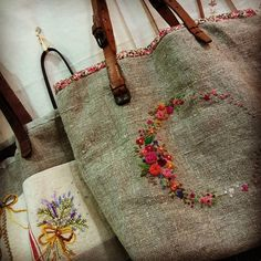 #Embroidery#stitch#needlework#Hemp linen#wool #프랑스자수#일산프랑스자수#자수타그램#자수#햄프린넨#울실#햄프린넨가방 #독특하게 ~~