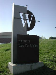 West Des Moines, IA : Monument Sign