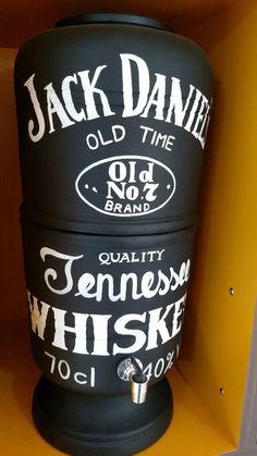 filtro de água barro, cerâmica, personalizado, jack daniels Bar Pallet, Mrs Hudson, Pinstriping, Vase, Cool Stuff, Vintage Industrial, E Design, Barber Shop, Coffee Cans