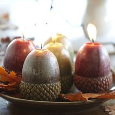 Lovely candle light! Aren't these large acorn candles soothing & beautiful?!