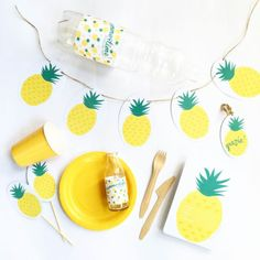 PINEAPPLE PARTY - The Funky Party Mama