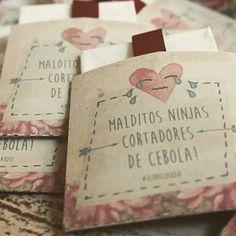 """""""Super criativas essas lágrimas de alegria que encontrei no @assessoriaprecasamento! . *Foto: Monbella Design"""""""