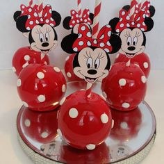 Minnie Mouse Candy Apples -Thx Tamisha! #minniemouse #candyapples #birthday party #redandwhite #girlsbirthday #houston #pearland #pearlandsweettooth @thesweetnurse Minnie Mouse Birthday Decorations, Minnie Mouse Theme Party, Minnie Mouse First Birthday, Mickey Mouse Clubhouse Birthday Party, Mickey Birthday, Minni Mouse Cake, Red Minnie Mouse, Candy Apples, Names Baby