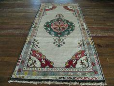 "Huntt Rugs  http://www.hunttrugs.com/vintage-turkish-rugs/vintage-turkish-rug-39x62  Vintage Turkish Rug 3'0""x6'2"" #vintagerug #persianrug #antiquerug #distressedrug #homedecor #interiordesign #decor #hunttrugs"