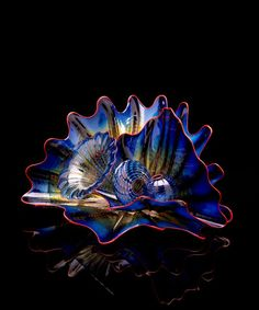 So Freakin Beautiful!  Chihuly rocks the art glass world. Full Stop.