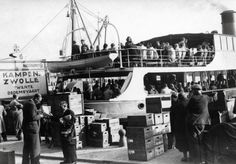 May 1940. After the war days from May 10 - May 15 1940 and the capitulation of the Dutch army the ferry services to Kampen and Lemmer were restored. #amsterdam #1940