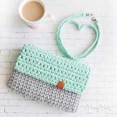 Одноклассники Diy Crochet Bag, Crochet Pouch, Crochet Bookmarks, Knit Crochet, Crochet Handbags, Crochet Purses, Crochet Designs, Crochet Patterns, Cotton Cord