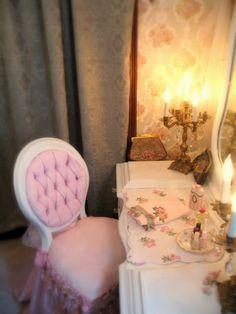 Ideas Shabby Chic Vanity Room For 2019 Shabby Chic Vanity, Romantic Shabby Chic, Shabby Chic Baby Shower, Shabby Chic Cottage, Shabby Chic Homes, Shabby Chic Decor, Vanity Room, Vanity Set, Shaby Chic