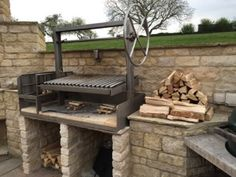Traditional Argentine bbq grills: For homes, restaurants and caterers. Outdoor Grill Area, Outdoor Barbeque, Outdoor Kitchen Patio, Pizza Oven Outdoor, Outdoor Cooking, Backyard Barbeque, Barbecue Design, Grill Design, Asado Grill