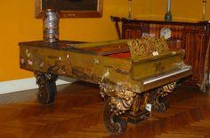 Auguste Majorelle et Mangeot frères. Grand  piano en laque présenté à l'Exposition Universelle de 1878