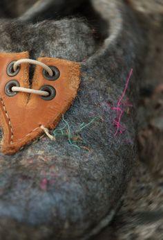 Natural felted wool shoes handmade Charcoal от BureBureSlippers
