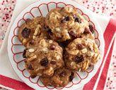 10 Holiday Cookies Under 100 Calories Skinny Holiday Recipes: Chocolate Chip-Walnut Cookies. Walnut Cookie Recipes, Holiday Cookie Recipes, Holiday Cookies, Holiday Treats, Cranberry Cookies, Cherry Cookies, Holiday Baking, Healthy Desserts, Just Desserts