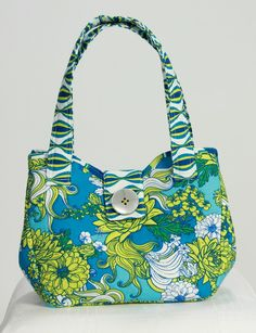 The Girlfriends Bag.  Snap it open or snap it closed -- two great looks!  Buy your pattern:  http://shop.amongbrendasquilts.com/products/girlfriends_bag