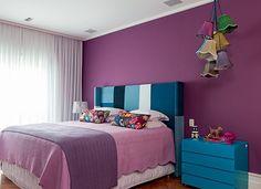 Combinação de cores...roxo + azul para o quarto!