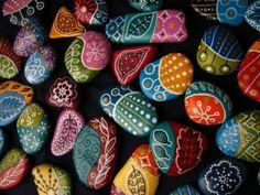 bricoler pierres colorées