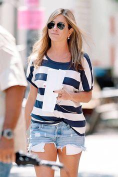 Jennifer Anniston summer casual