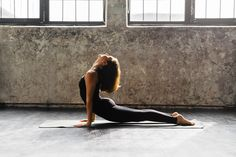 Yoga transitions have a purpose! Each one prepares your body for the next yoga pose. Learn why yoga sequencing includes common yoga transitions. Yoga Flow, Yoga Meditation, Asana, Yoga Fitness, Finger Yoga, Yoga Position, Yoga Training, Home Yoga Practice, Yoga For Stress Relief