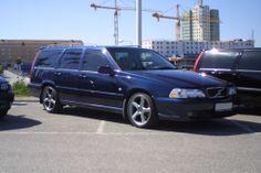 Ronnie's 1998 Volvo V70 4 Dr R Turbo AWD Wagon