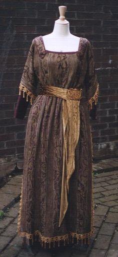 Edwardian tea dress. Very reform movement if you ask me.