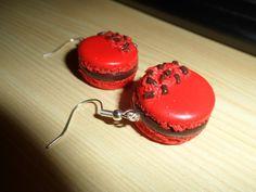 boucle-d-oreille-macaron-fraise-chocolat