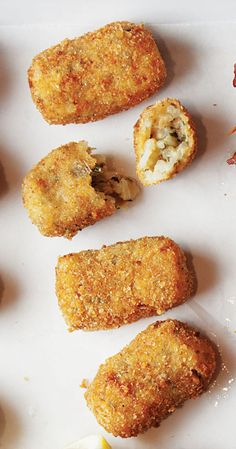 Venetian rice fritters are an addictive snack - make them using leftover risotto!These Venetian rice fritters are an addictive snack - make them using leftover risotto! Cooked Rice Recipes, Leftover Rice Recipes, Easy Rice Recipes, Leftovers Recipes, Cooking Recipes, Cooking Rice, Recipe With Cooked Rice, Saveur Recipes, Rice Cake Recipes