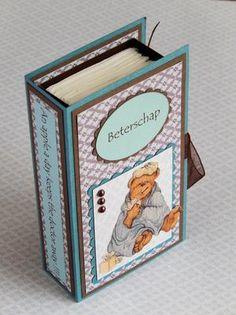 Is er iemand ziekjes? Dan is dit zakdoekboekje weer eens wat anders om te geven in plaats van een beterschapskaart. Een how to om dit leuke boekje te maken staat op mijn blog.