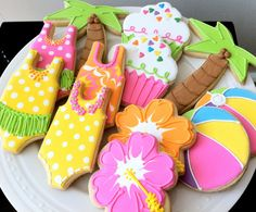 Pool Party Themed Decorated Cookies- Perfect for a Hawaiian Luau Summer Party Favor, via Etsy. (Hawaiian Luau For Kids) Luau Birthday, Summer Birthday, Birthday Parties, Hawaiian Luau Party, Hawaiian Theme, Tropical Party, Iced Cookies, Cute Cookies, Making Cookies