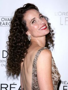 Andie Macdowell #hairstyles, #haircuts, #hair, #pinsland, https://apps.facebook.com/yangutu
