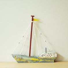 Hölzerne griechischer Segelboot, bunte Segelboot aus Holz, Metall, Bindfäden, etc., komplett handgefertigt und einzigartig jedes Mal
