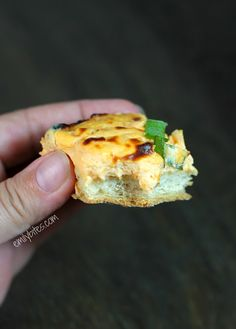 Emily Bites - Weight Watchers Friendly Recipes: Buffalo Cheese Bread