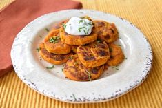 Jump into festive fall flavors with these gluten free and vegan sweet potato pumpkin fritters. Top with my hemp lime cream for a healthy side any time of day. Cacao Smoothie, Blueberry Banana Smoothie, Fruit Smoothies, Most Nutritious Foods, Healthy Foods To Eat, Super Healthy Recipes, Real Food Recipes, Pumpkin Fritters, Sugar Free Recipes