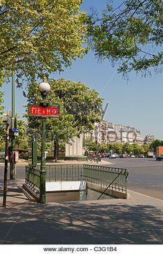 Paris Metro Station Stock Photos & Paris Metro Station Stock ...