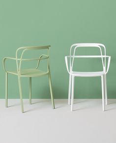 Die cast aluminium #chair with armrests INTRIGO by PEDRALI | #design Claudio Dondoli, Marco Pocci