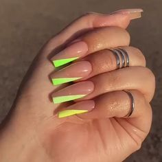 If Your Looking the best Acrylic Nail Art Designs for Wedding, Summor, Winter and Spring we have them all plus have nail art tutorials. Edgy Nails, Aycrlic Nails, Neon Nails, Trendy Nails, Swag Nails, Coffin Nails, Summer Nails Neon, Argyle Nails, Grunge Nails