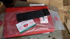 jual karet penahan pintu -untu mobil suzuki jimny katana -harga satuan -barang ori sgp, tomato wtc 082210151782