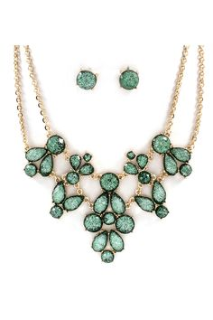 I usually don't like statement necklaces but this is gorgeous.  Verdant Shimmer Statement Necklace