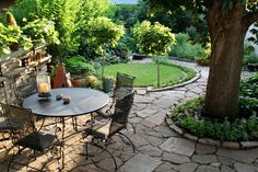 Love the look of this patio, this would be an addition to the side of my house.