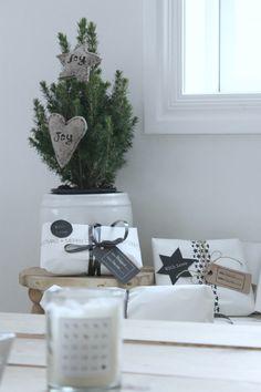 #MazzWonen #MazzTuinmeubelen-- #Inspiratie #Deco #Kerstmis #Kerstboom #Kerstversiering #Christmas #Three #Home #Styling #Livingroom #DIY